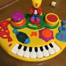 音楽が流れるしかけおもちゃ