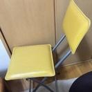綺麗な状態です★ポップな黄色の椅子です。