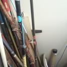 釣竿や網や釣り道具?