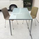 テーブル&椅子2脚セット