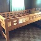 木製シングルベッド