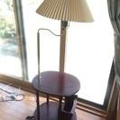 ブックラック付き照明テーブル