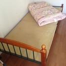 鉄製フレーム・木製脚シングルベッド
