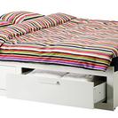 IKEAのベッドフレーム。2台あります