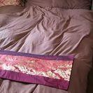 クイーンサイズのベッドです。