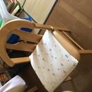 ダイニングテーブルと椅子(4)をただで差し上げます。