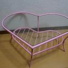 ピンクのハートのローテーブル☆ガラスです☆かわいいです♡