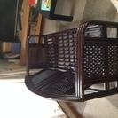 藤の二人掛けの椅子です