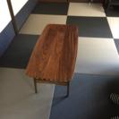 再値下げ!!木製テーブル下にラック付き