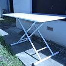 ニトリの簡単に高さが上下できるテーブル(ダンパー付なので楽です)と...