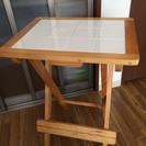 白タイルテーブル 折り畳み可