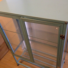 アンティーク調ガラス製キャビネット