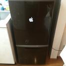 中くらいの大きさの冷蔵庫