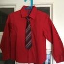 (値下げ)お洒落 赤いシャツとネクタイ(サイズ6)ボーイズ用