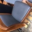 無料で、木製椅子 2種類 各2 脚 差し上げます。