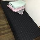 黒シングルベッド 20センチ脚つき。脚取り外し可能