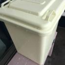 ダルトン(DULTON)のゴミ箱です。18リットル♩