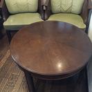 カリモク ドマーニの丸テーブルとアームチェア2p