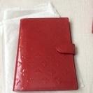 パスポートケース エナメル 赤