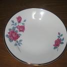 🌹バラの模様の皿🌹 / 中皿