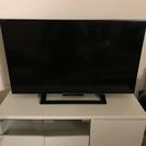 32型テレビとテレビ台付き