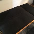 ソファーベッドになる2人掛けソファー+オットマン