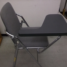 サイドテーブル付きパイプ椅子