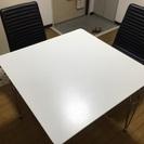 テーブルとイスのセットです