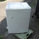 無料で差し上げます。ひとり暮らしに最適 小型冷蔵庫