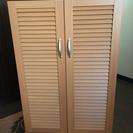 美品!木製扉付き収納棚
