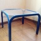 【無料】ガラスのテーブル
