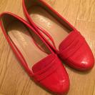 今時期ぴったり✳︎赤いローファー