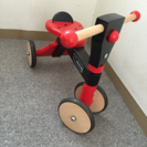 木の三輪車
