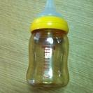 ピジョン プラスチック製哺乳瓶です