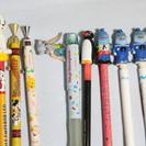 ボールペン、シャープペンシル、鉛筆、7色鉛筆、8本。