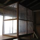 大型アクリル透明板の保管庫