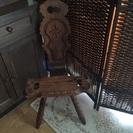 椅子の様な置物の台? アンティーク 商談中