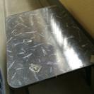 小さな折りたたみテーブル