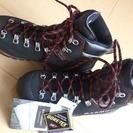☆新品登山靴☆ GARMONT