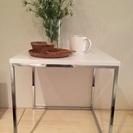 ニトリのホワイトサイドテーブル