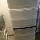 三段の収納ボックス×2個をさしあげます。