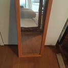 (商談中)ナチュラルな木目の小ぶりな鏡