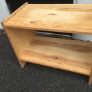 木製のサイドテーブル サイドボード