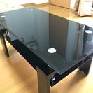 ブラックガラスのローテーブル