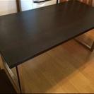IKEAのテーブル