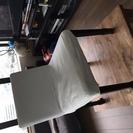 IKEAの椅子白・グレー換えカバー付き