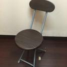 折りたたみ式の椅子 3脚あり