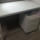 学習テーブルと椅子(6月30日まで掲載)