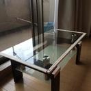 小さめのローテーブルです。