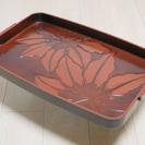 鎌倉彫ふうの、和風トレイ(お盆)シックな色合いです。